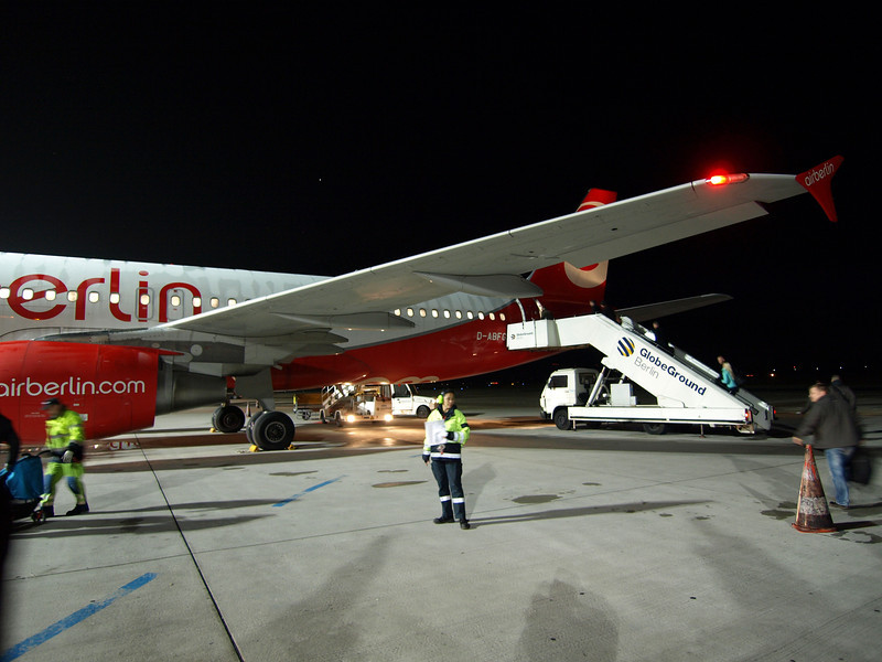 http://carst.smugmug.com/Flights-and-Airplanes/2012-11-23-1-Berlin-Milan/i-GnzS4b6/0/L/20121123-061906-L.jpg