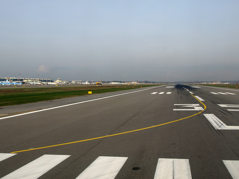http://carst.smugmug.com/Flights-and-Airplanes/2012-11-23-2-Milan-Rome/i-8Tz3nv5/0/L/20121123-112036-L.jpg