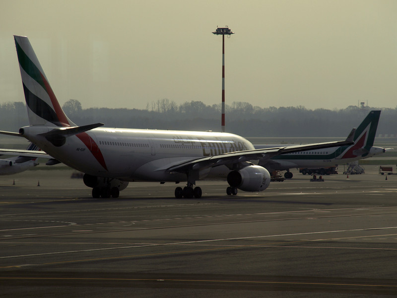 http://carst.smugmug.com/Flights-and-Airplanes/2012-11-23-2-Milan-Rome/i-ckNdD42/0/L/20121123-101758-L.jpg