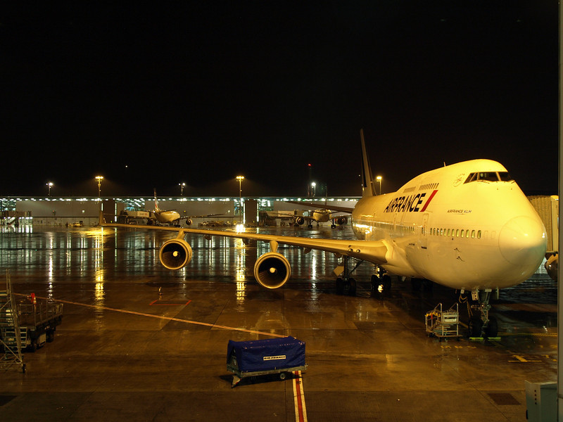 http://carst.smugmug.com/Flights-and-Airplanes/2012-11-23-4-Paris-Singapur/i-C6bjMkX/0/L/20121123-182138-L.jpg