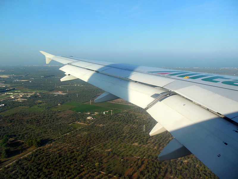 http://carst.smugmug.com/Flights-and-Airplanes/2012-11-25-2-Rome-Bari-FD/i-BgknKbH/0/L/20121125-141144-L.jpg