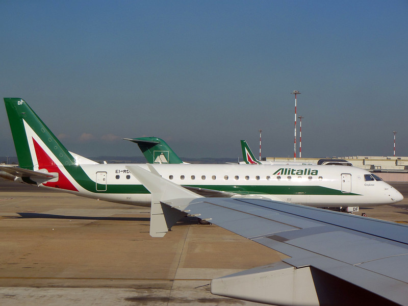 http://carst.smugmug.com/Flights-and-Airplanes/2012-11-25-2-Rome-Bari-FD/i-QJFTh9g/0/L/20121125-130954-L.jpg