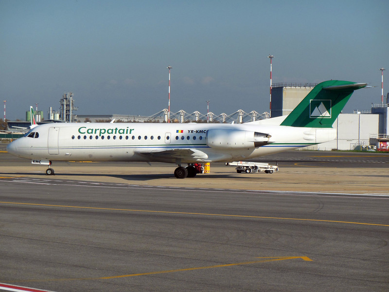 http://carst.smugmug.com/Flights-and-Airplanes/2012-11-25-2-Rome-Bari-FD/i-rWpZ8x7/0/L/20121125-130336-L.jpg