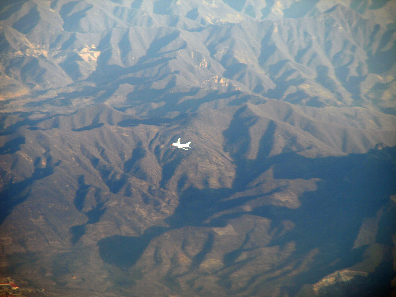 http://carst.smugmug.com/Flights-and-Airplanes/2012-12-06-1-Peking-Kunming/i-2NccWc7/0/L/20121206-020504-L.jpg