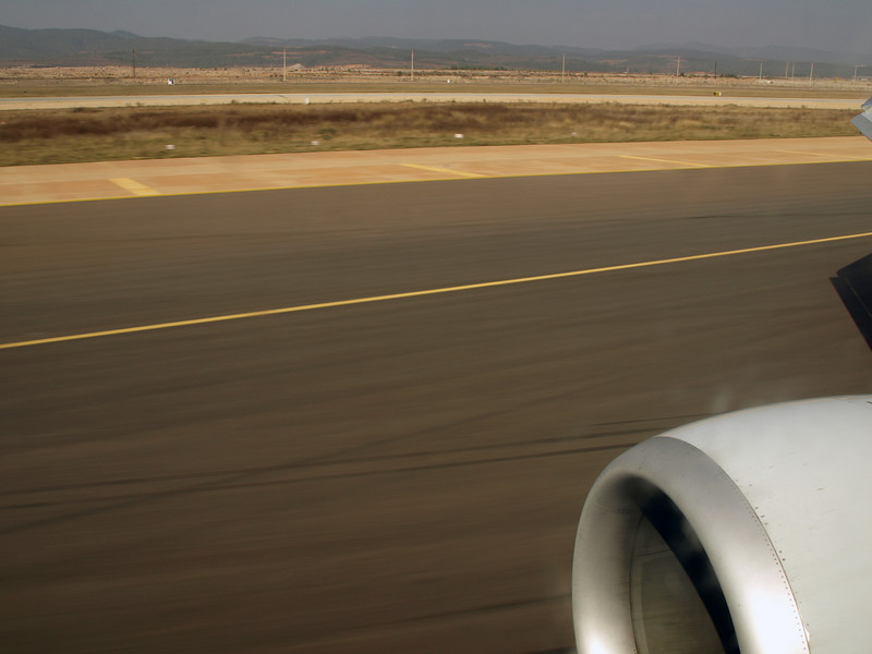 http://carst.smugmug.com/Flights-and-Airplanes/2012-12-06-1-Peking-Kunming/i-qVkFDjr/0/L/20121206-051722-L.jpg