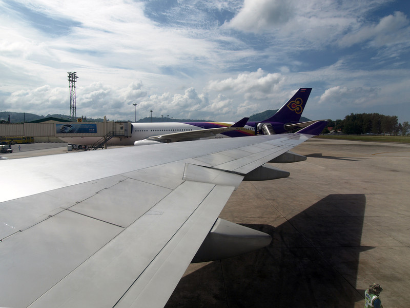 http://carst.smugmug.com/Flights-and-Airplanes/2012-12-16-1-Phuket-Bangkok/i-3mq9NM3/0/L/20121216-044548-L.jpg