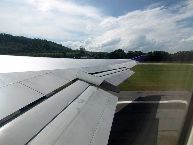 http://carst.smugmug.com/Flights-and-Airplanes/2012-12-16-1-Phuket-Bangkok/i-8zXf6rP/0/L/20121216-045758-L.jpg